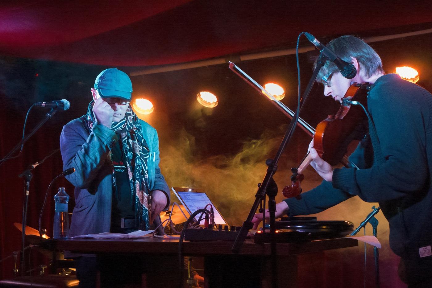 DG 307 concert in Klub77, Leica Dlux-6